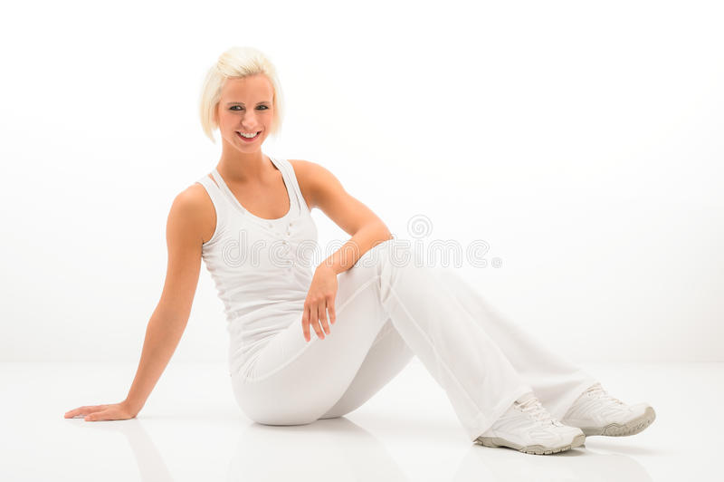 Download Weiße Eignungfrau Entspannen Sich An Der Pilates Übung Stockbild - Bild von übung, schauen: 26355103