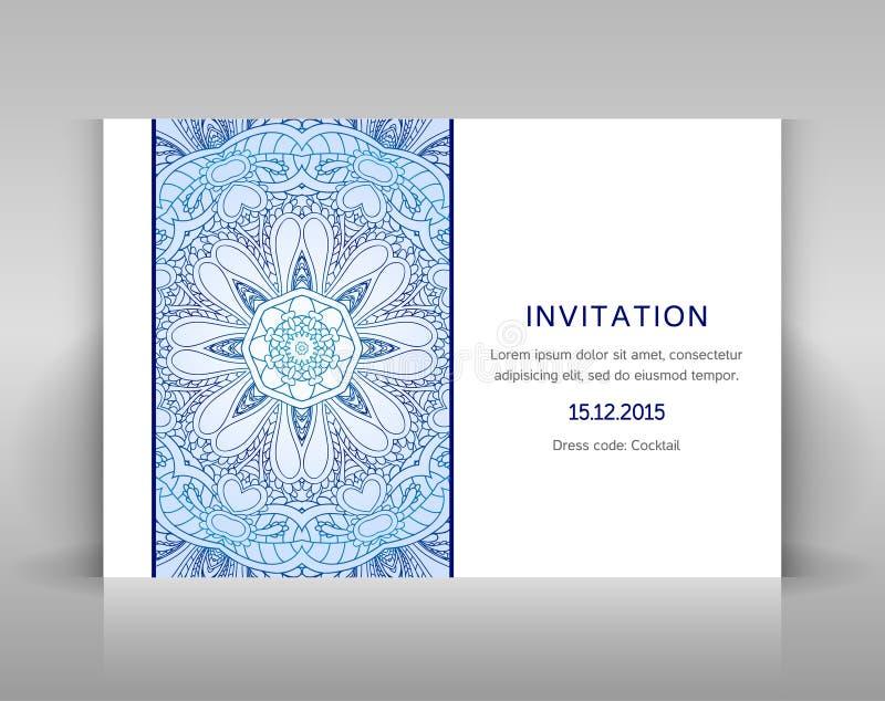 Weiße Einladung mit Blumendekoration lizenzfreie abbildung