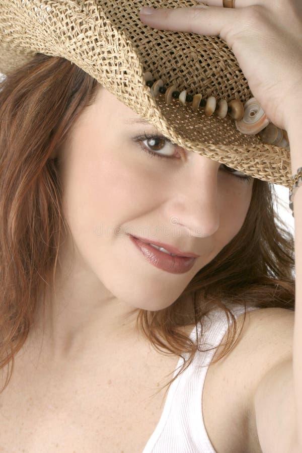 Weiße Frau im Cowboyhut - Farbe lizenzfreie stockfotos