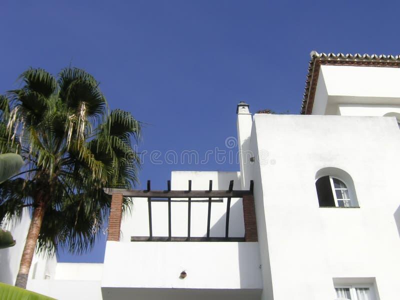 Weiße Gebäude stockbilder