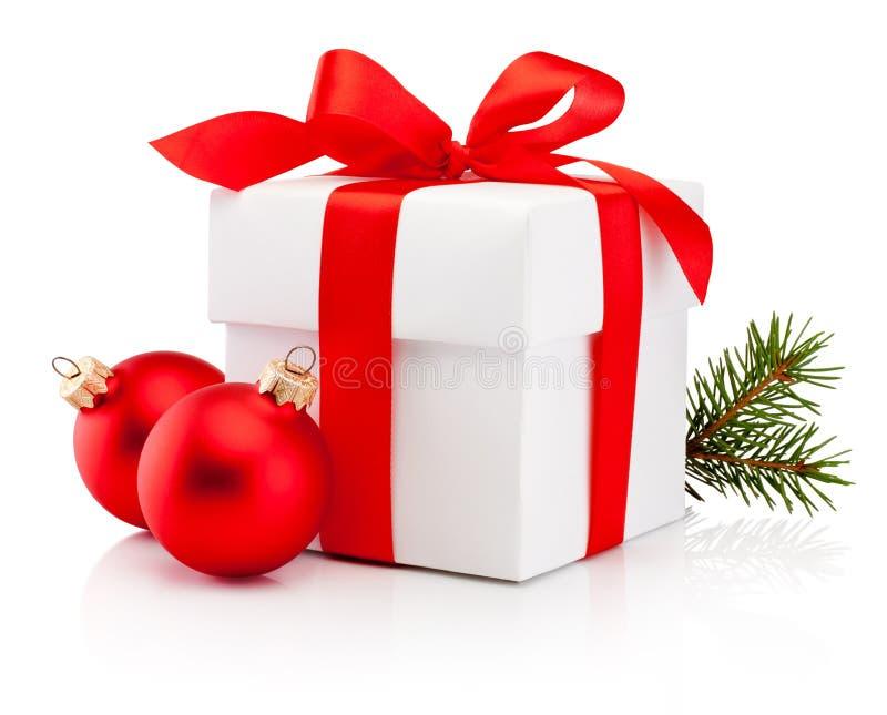 Weiße Geschenkbox band roten Bandbogen und Flitter des Weihnachten zwei Isolator stockbild