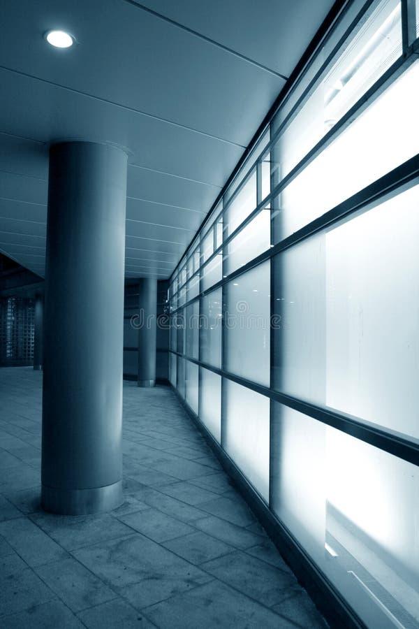 Weiße Glasfassade stockfoto