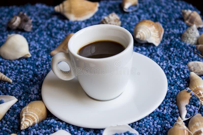Weiße Kaffeetasse stockbild