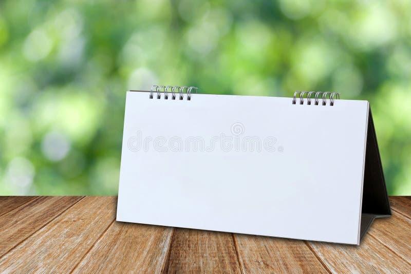 Weiße leere Tischkalender-Modellschablone lizenzfreies stockfoto