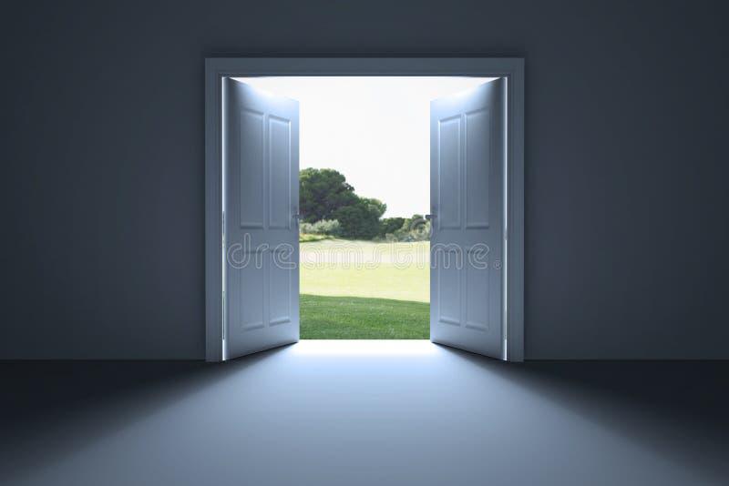 Weiße offene Türen zum Garten lizenzfreie abbildung