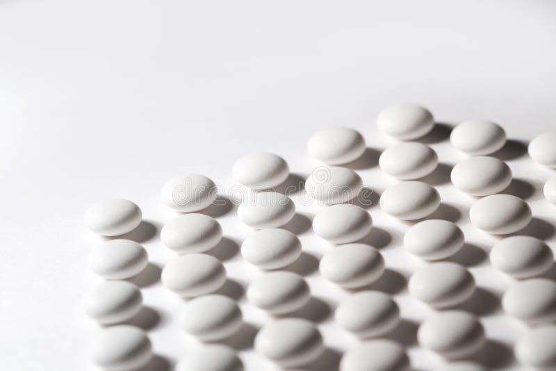 Weiße Pillennahaufnahme lizenzfreie stockbilder