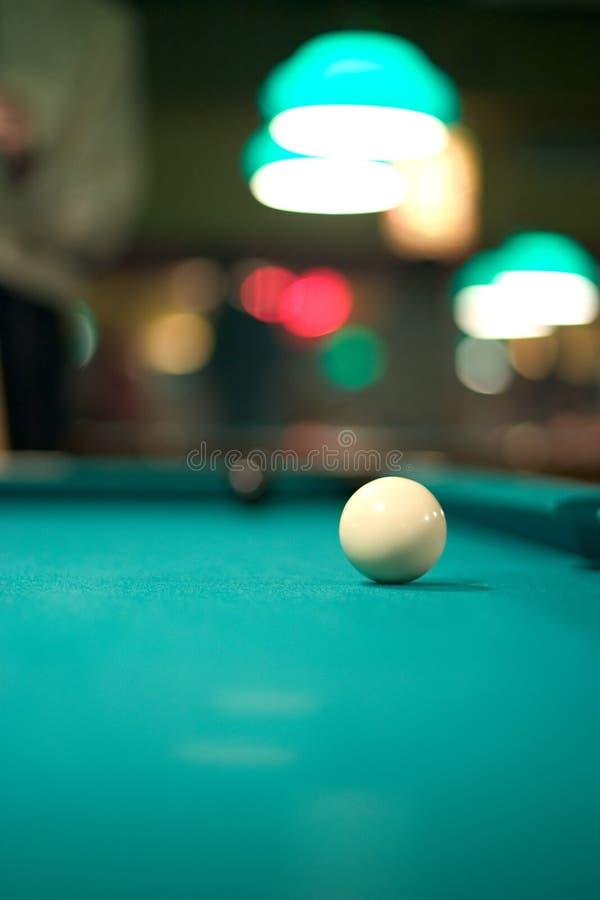 Weiße Pool-Kugel stockfoto