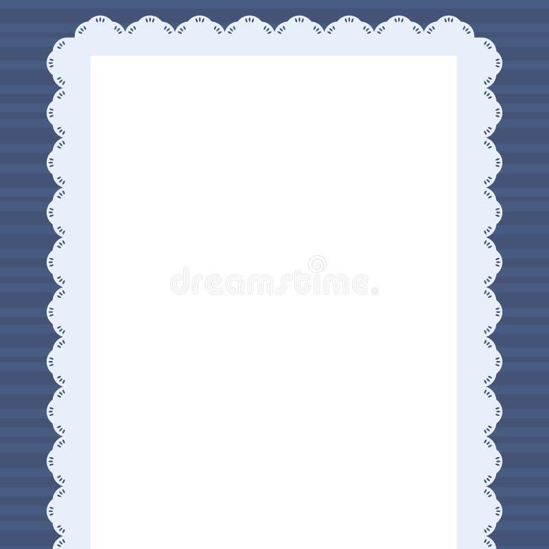 Weiße rechteckige Serviette mit geschnitztem blauem Rand auf Vektor-Illustrationszeichnung des gestreiften dunkelblauen Hintergru vektor abbildung