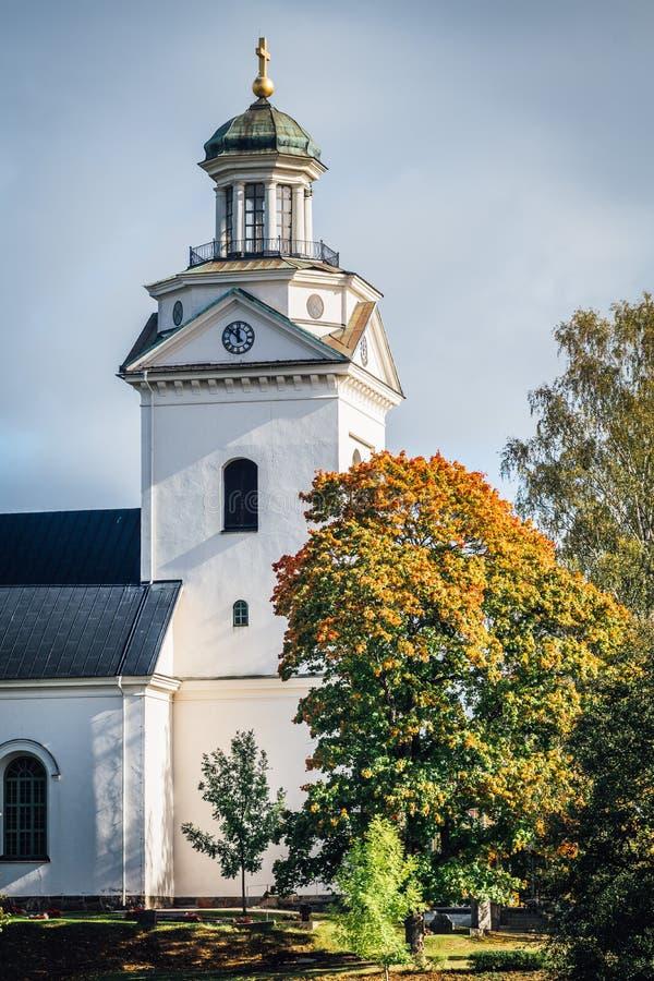Weiße Steinkirche lizenzfreies stockbild