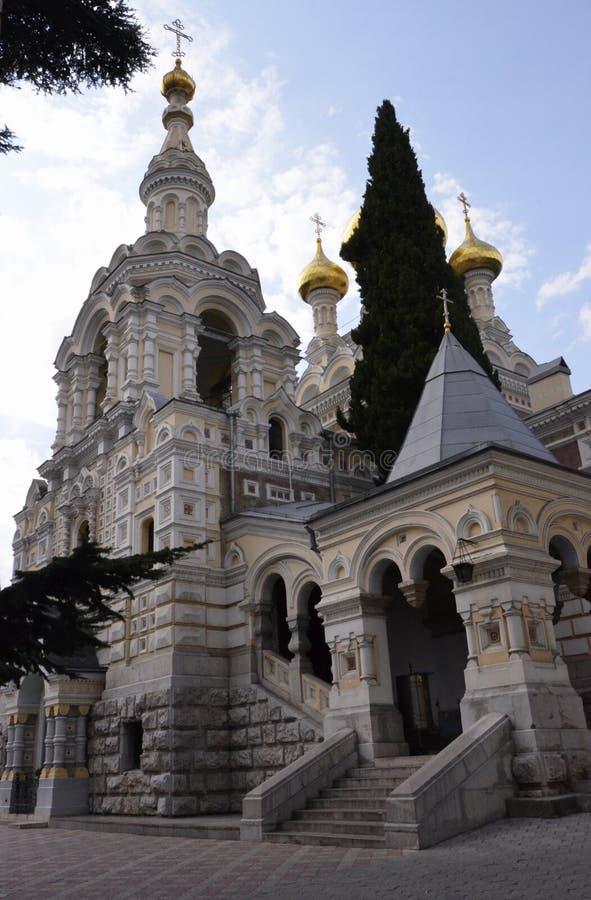 Weiße Steinkirche von Alexander Nevsky in Jalta, Krim stockbilder