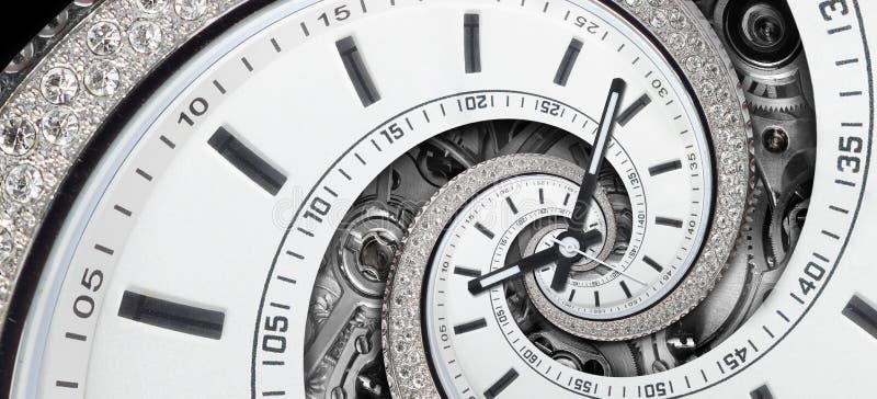 Weiße stilvolle Uhr des modernen Diamanten mit den Uhrhänden und Uhrmechanismus verdrehten sich zur surrealen Spirale Zeitspirale lizenzfreie stockfotos