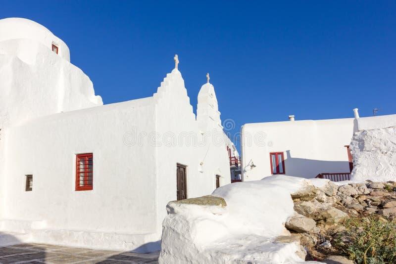 Weiße traditionelle Kirche in Mykonos stockbilder