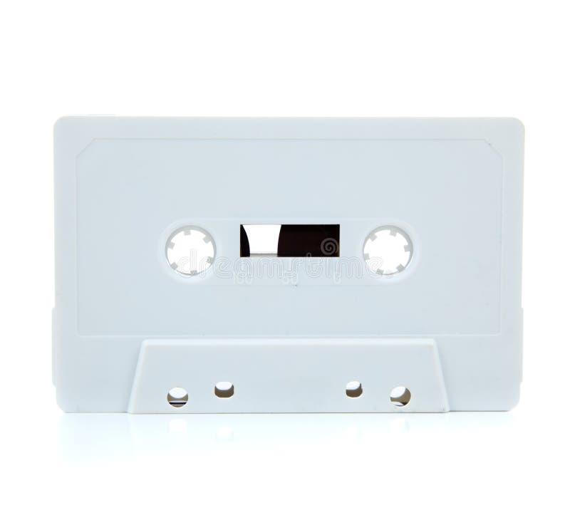 Weiße unbelegte Kassette auf Weiß stockfotos