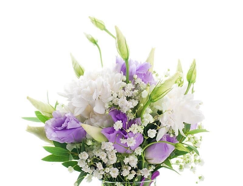 Download Weiße Und Rosafarbene Blumen Stockbild - Bild von feier, blumenstrauß: 27734791