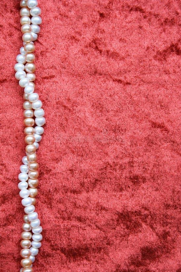 Download Weiße Und Rosafarbene Perlen Auf Dem Terrakottasamt Stockfoto - Bild von schönheit, juwel: 9093192