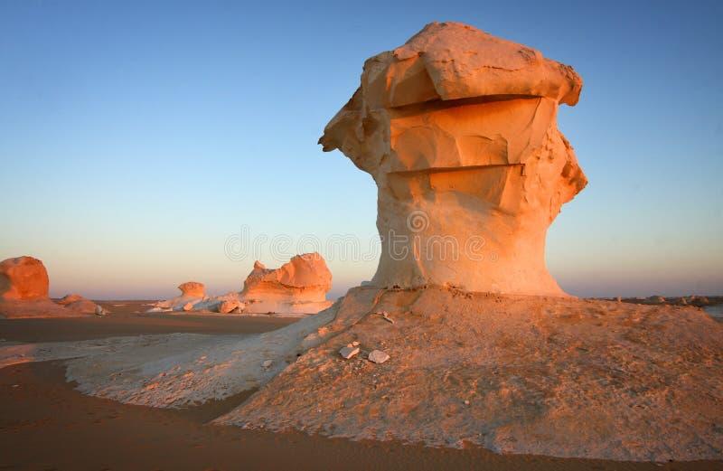 Weiße Wüste in Ägypten lizenzfreie stockbilder