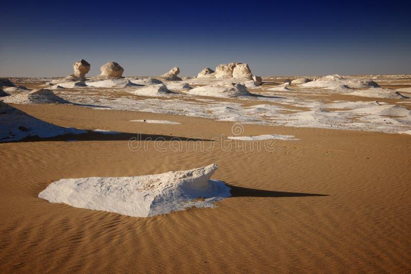 Weiße Wüste in Ägypten lizenzfreie stockfotografie