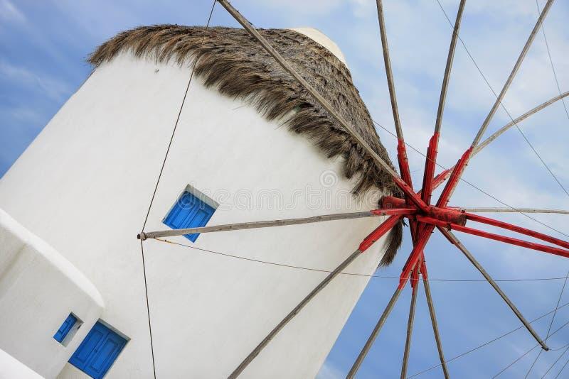 Weiße Windmühle auf der Insel von Mykonos, griechische Inseln stockfotografie