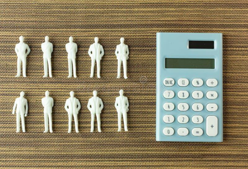 Weiße Zahl Miniatur auf Holz für Geschäftsinhalt lizenzfreies stockbild