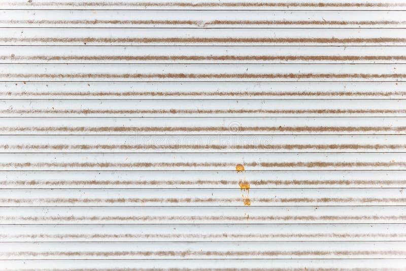 Weißer alter Metalljalousiehintergrund oder -beschaffenheit stockfotos