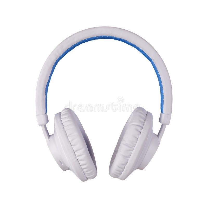 Weißer blauer drahtloser Kopfhörer der Vorderansicht lokalisiert auf einem weißen Hintergrund stockfoto