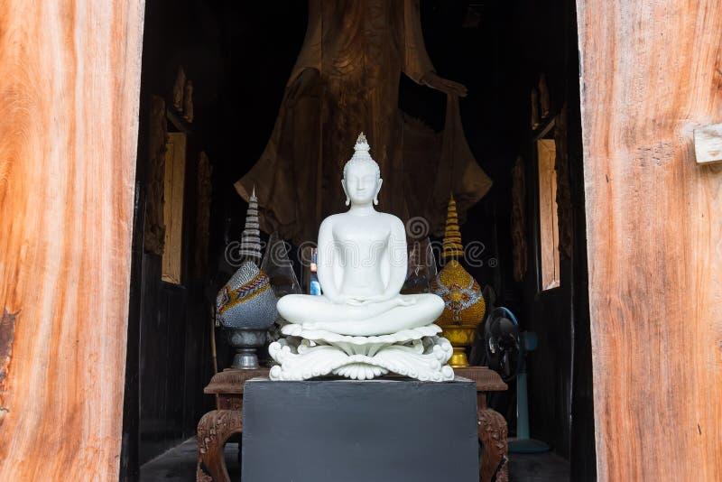 Weißer Buddha von Baandam thailand lizenzfreie stockbilder