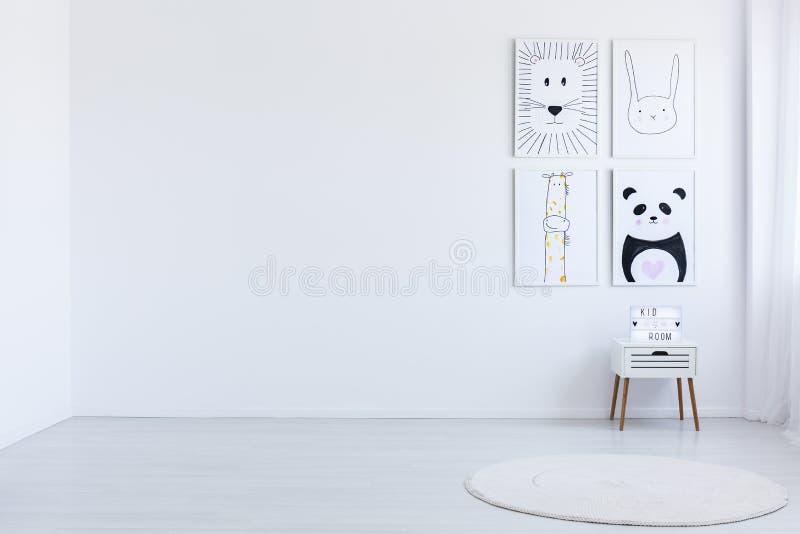 Weißer geräumiger autistischer Kind-` s Raum stockfoto