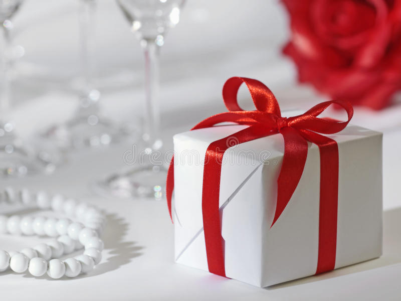 Weißer Geschenkkasten stockfotos