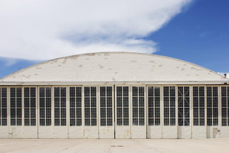 Weißer Hangar stockbilder