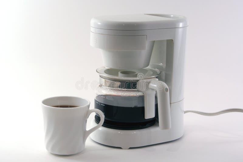 Weißer Kaffeeproduzent, Cup, getrennt stockfotos