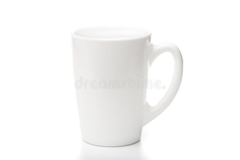 Weißer keramischer Becher Getrennt auf einem Weiß stockbild