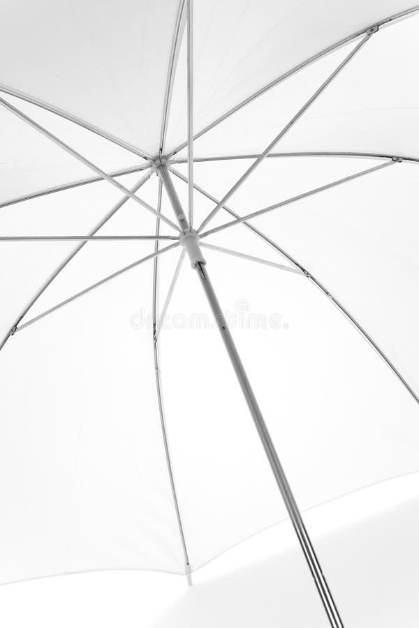 Weißer Regenschirm lizenzfreies stockbild