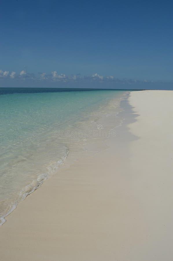 Weißer Sandstrand lizenzfreies stockbild