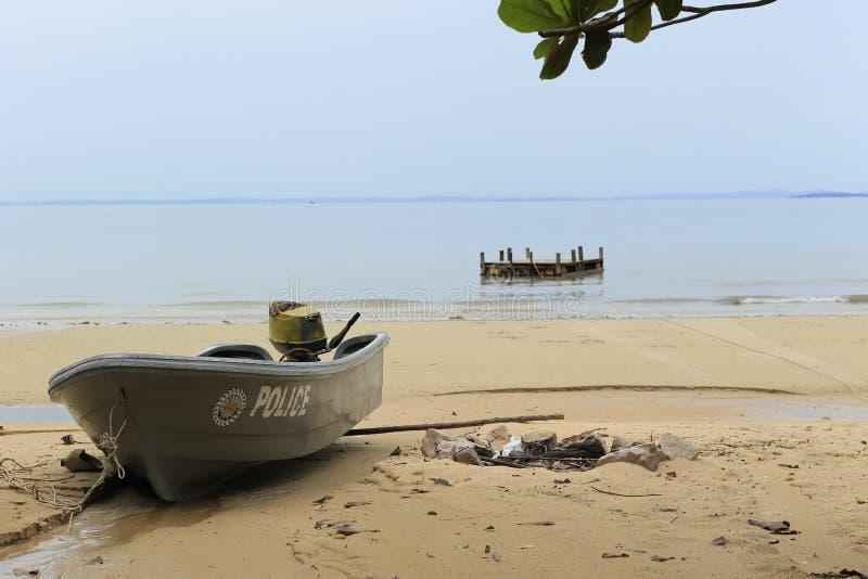 Weißer Sandstrand in Koh Rong-Insel in Kambodscha lizenzfreies stockbild