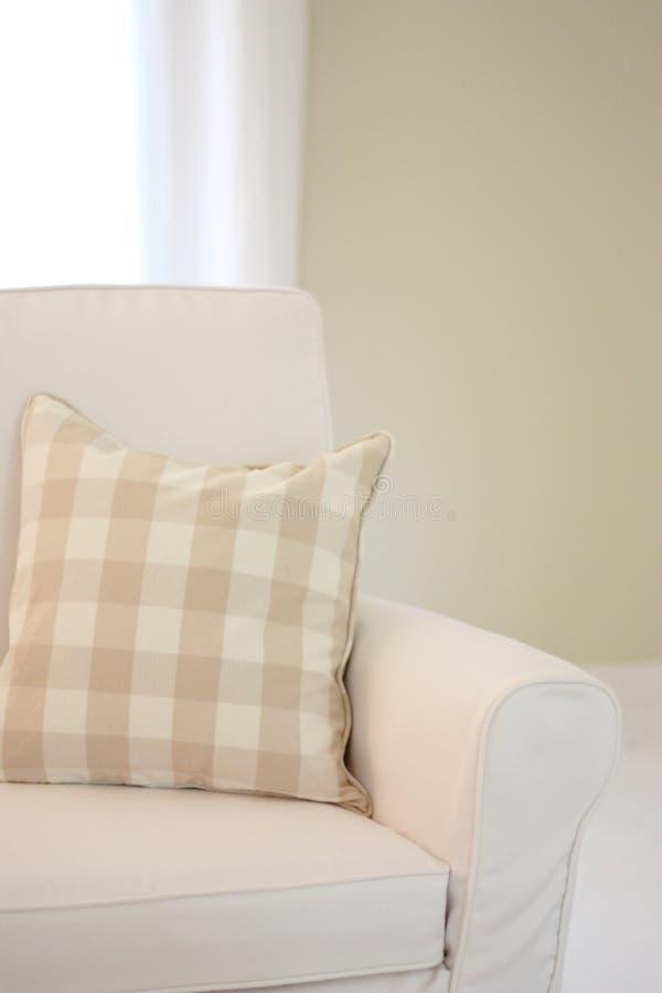 Weißer Sofa Arm lizenzfreies stockfoto