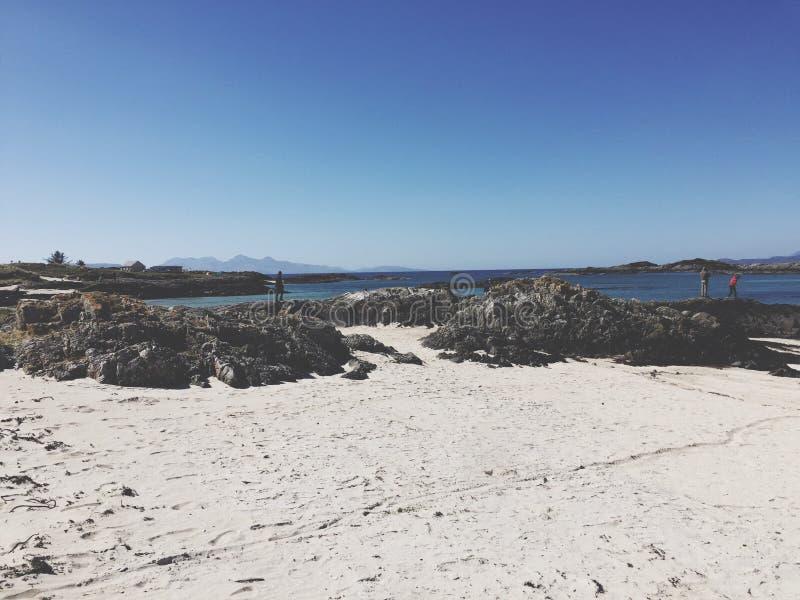 Weißer Strand lizenzfreie stockfotos