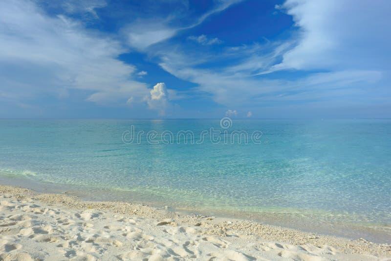 Weißer Strand Philippinen lizenzfreie stockbilder