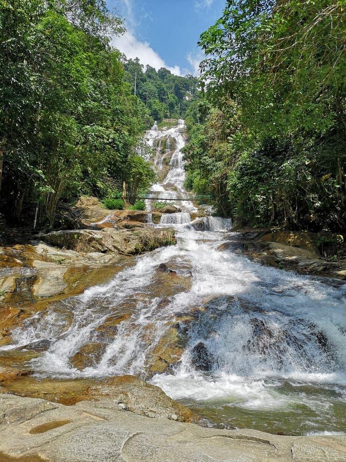 Weißer Wasserfall lizenzfreies stockfoto
