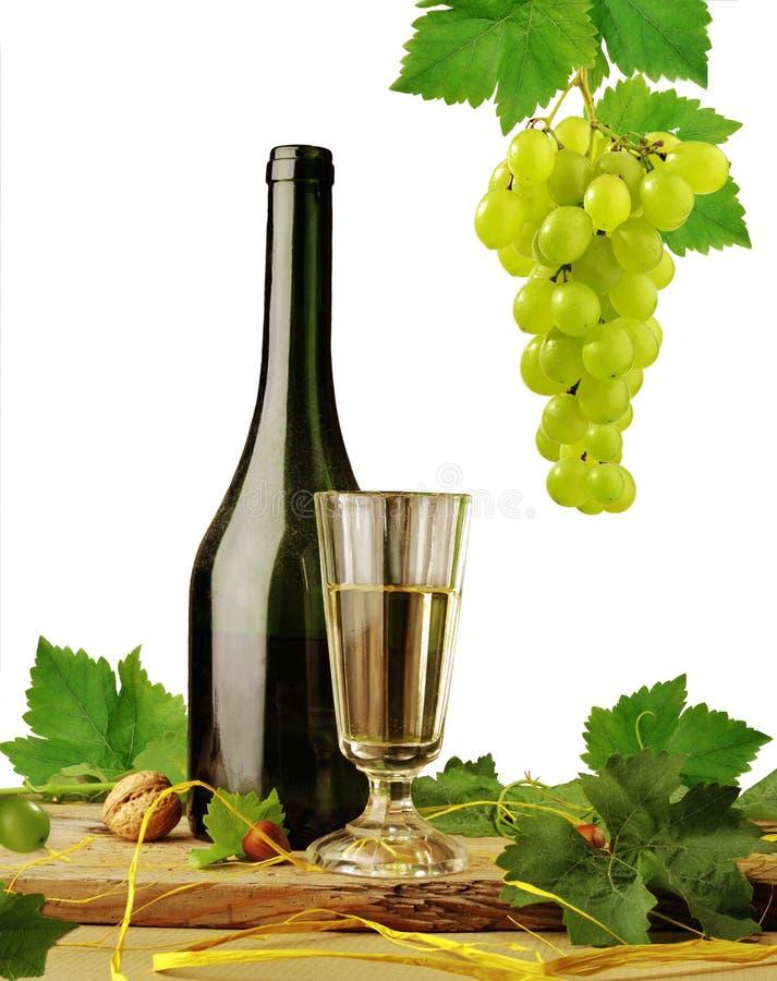 Weißer Wein auf weißem Hintergrund stockbilder