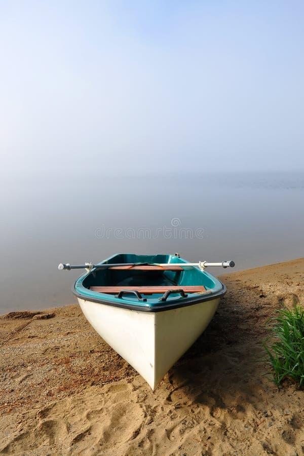 Weißes Boot lizenzfreie stockbilder