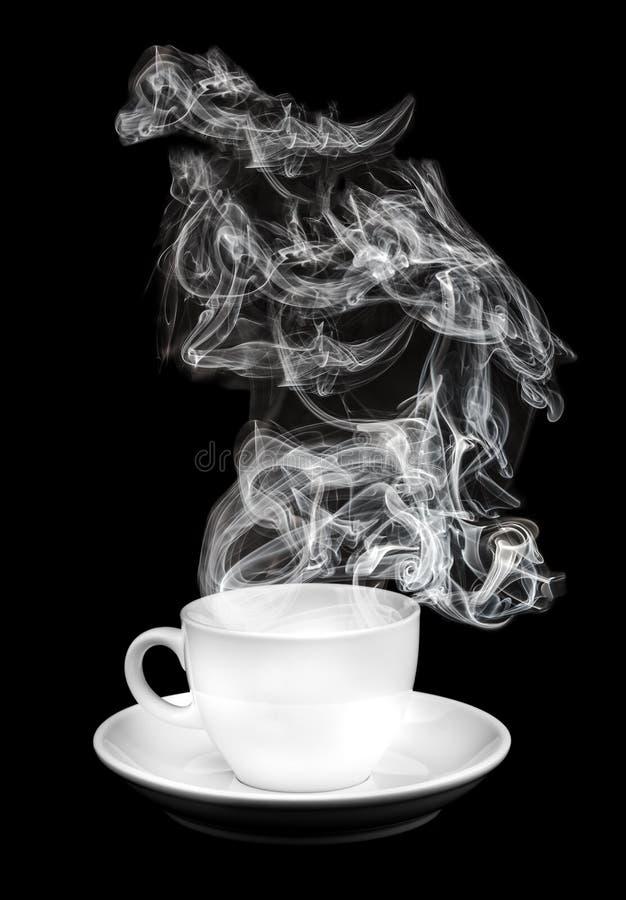 Weißes Cup mit Rauche stockfoto
