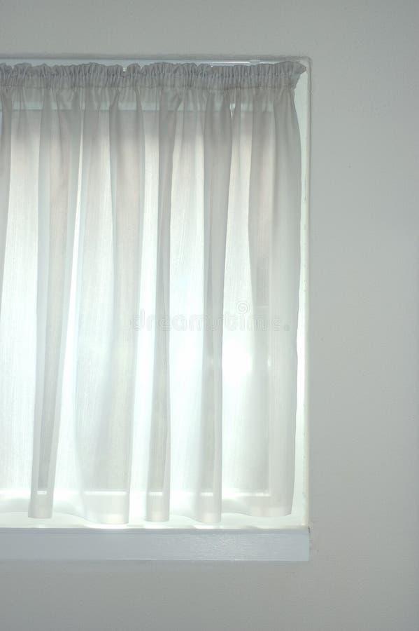 Weißes Fenster lizenzfreie stockfotografie