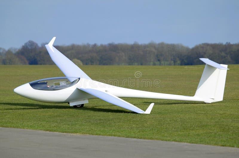 Weißes Flugzeug stockfotos