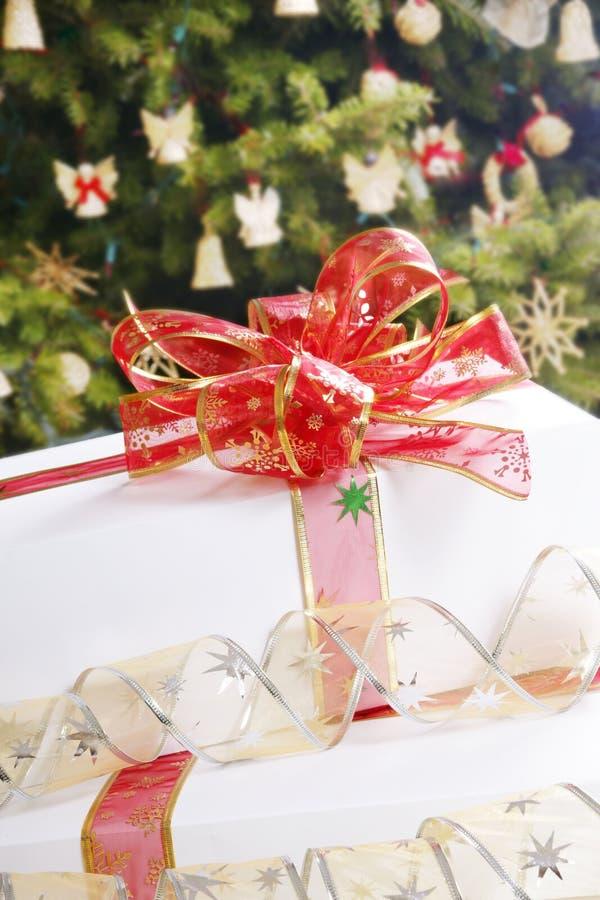 Weißes Geschenk lizenzfreie stockfotografie