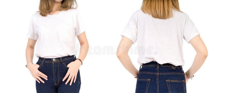 Weißes T-Shirt Entwurfsmodell der weiblichen Baumwolle des blonden Haares mit rohem Denim stockbild