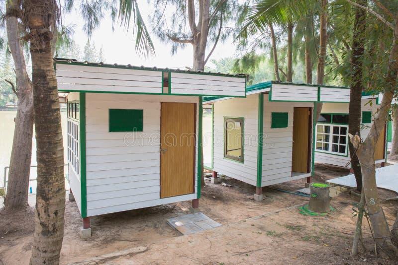 Weißes thailändisches Haus lizenzfreies stockfoto
