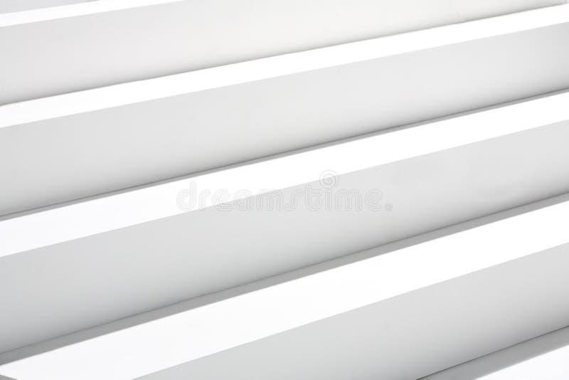 Weißes Treppenhaus stockfotos