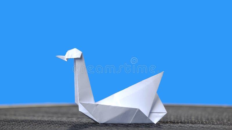 Weißer Origami Schwan Stockbild Bild Von Dekoration 16887681
