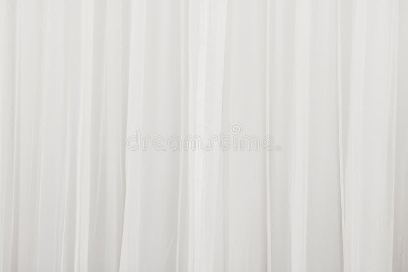 Wei?er Vorhanghintergrund Extrahieren Sie von drapieren Hintergrund stockfoto
