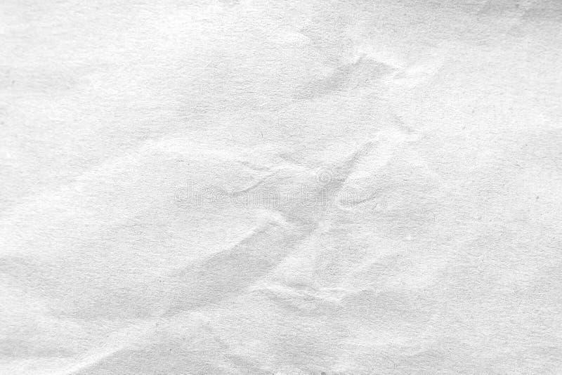 Wei? zerknitterter Papierbeschaffenheitshintergrund Nahaufnahme stockfoto